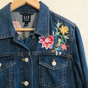 NWT GAP Denim Floral Embroidered Jean Jacket